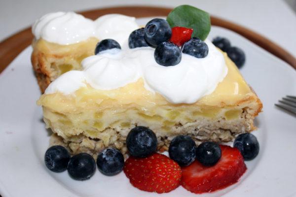 Svěží ovocný koláč z vloček